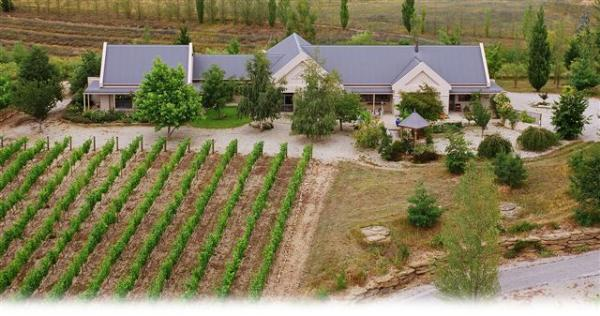 Hawkdun Rise Vineyard Accommodation